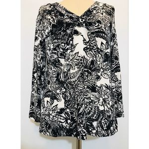 Travelers By Chico's Black White Top Sz. 1